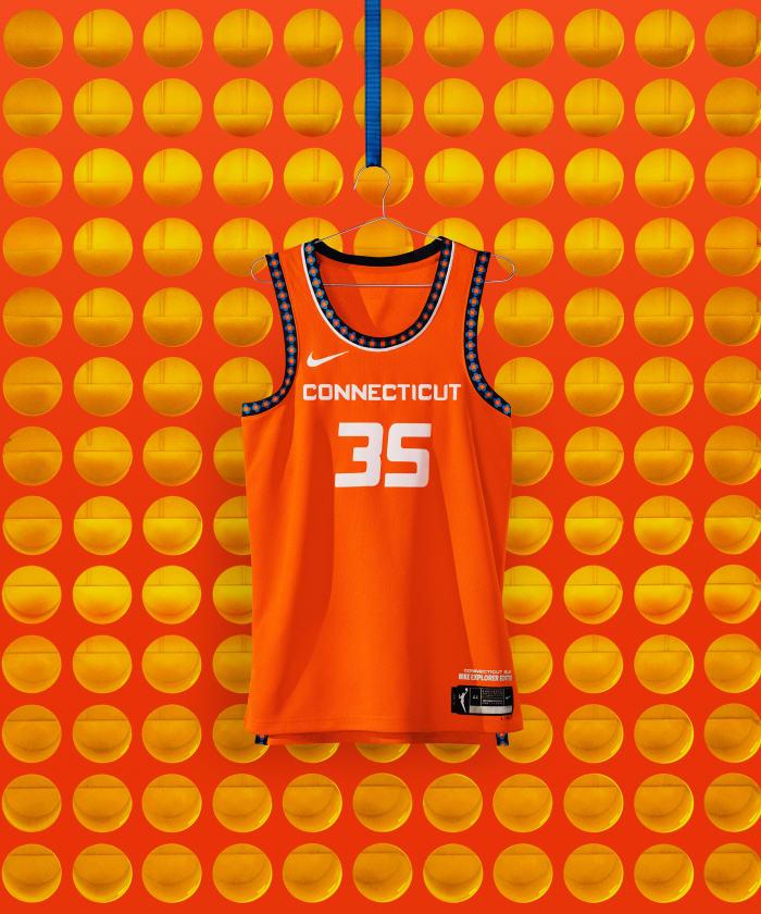 NikeNews_SP21_BB_WNBA_NIKE_HER_EDITION_NA_CONNECTICUT_EXPLORER_HERO_000353_original