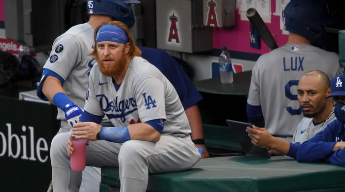 Dodgers aren't living up to expectations in 2021.