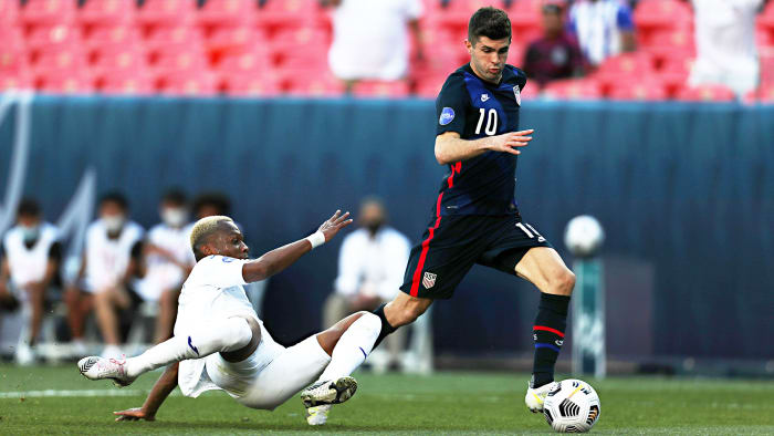 Christian Pulisic plays for the United States vs. Honduras