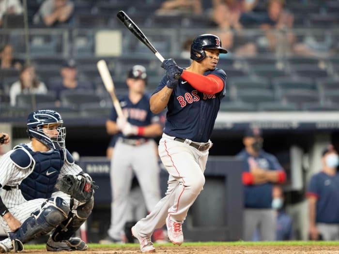 5 de junio de 2021;  Bronx, Nueva York, Estados Unidos;  El tercer jugador de los Boston Red Sox, Raphael Davers (11), anotó una carrera impulsada durante la sexta entrada contra los Yankees de Nueva York en el Yankee Stadium.  Crédito obligatorio: