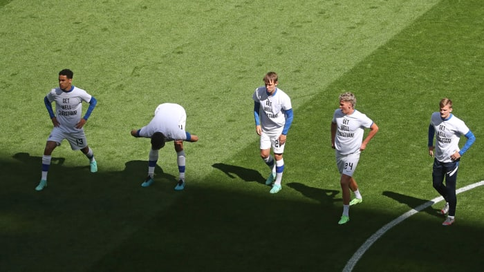 Finnish players pay tribute to Christian Eriksen