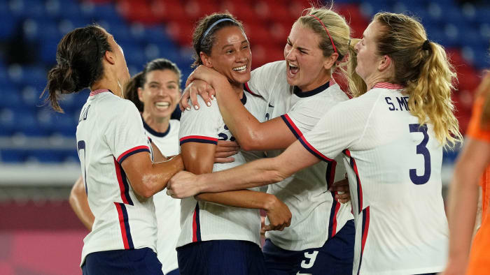 Lynn Williams celebrates her goal for the USWNT