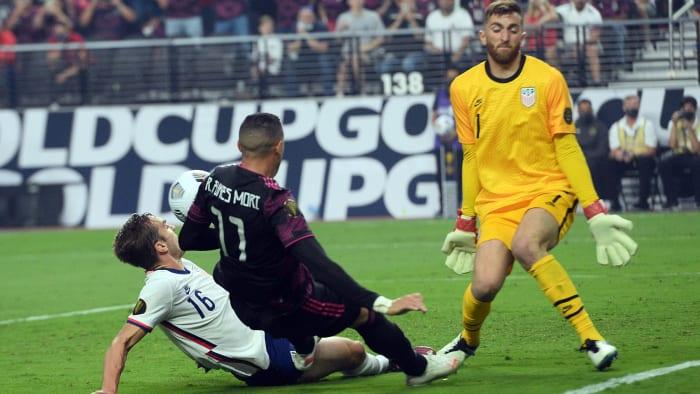 USMNT goalkeeper Matt Turner