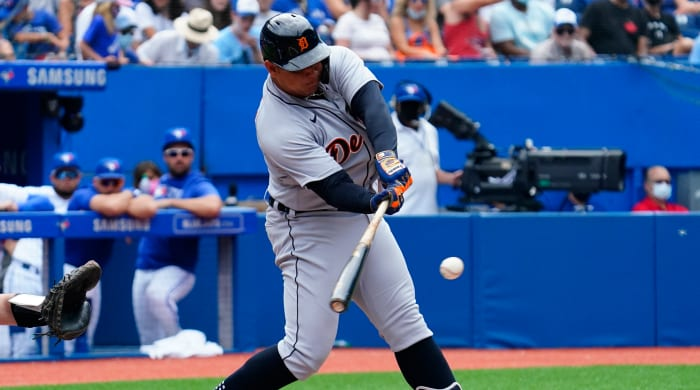 Miguel Cabrera hits his 500th home run