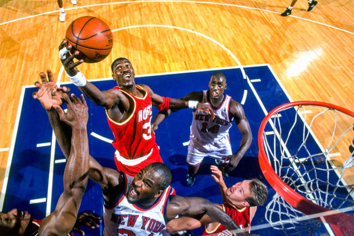 Olajuwon in 1994, shortly before he started fasting during games in Ramadan.