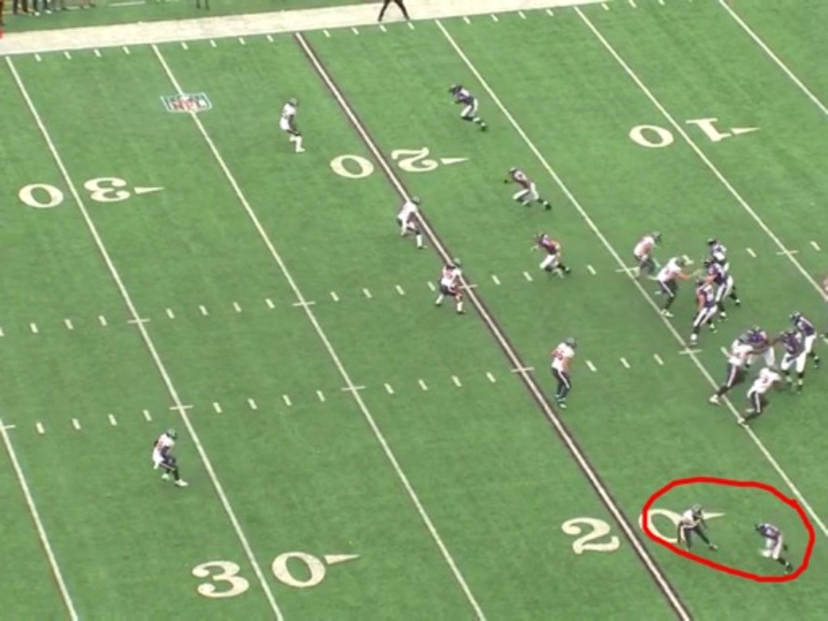 At the snap Joseph opens the gate and let's Smith up field with not even slowing him down. With Danieal Manning helping over the top to prevent the deep ball, he need Joseph to slow Smith to help him out. Manning has to respect the Dallas Clark possibly running across the middle of the field.