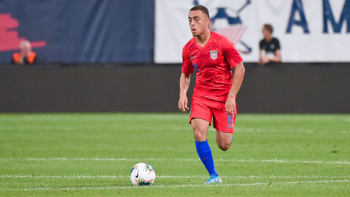 Sergiño Dest could play for the USA or the Netherlands