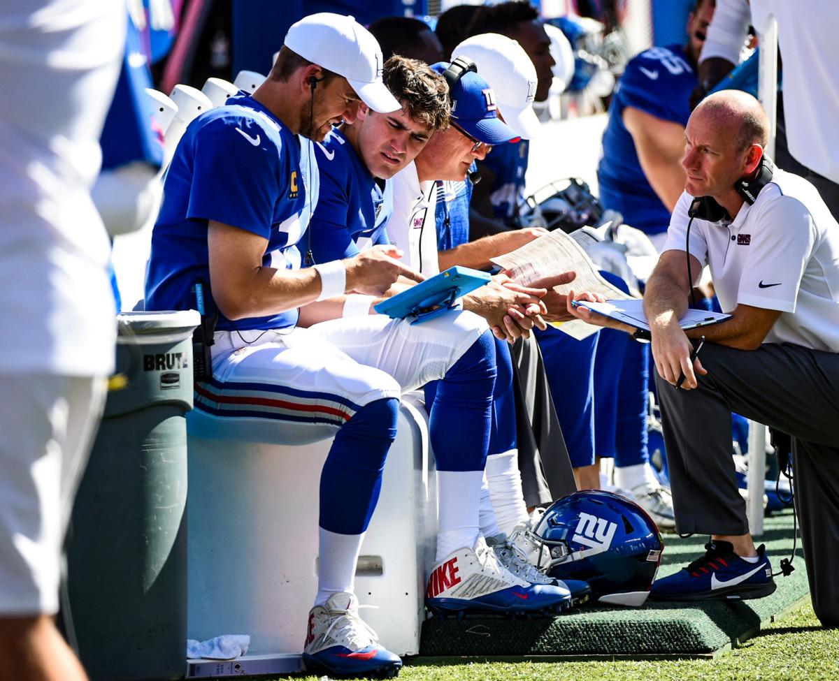 Eli Manning mentors Daniel Jones