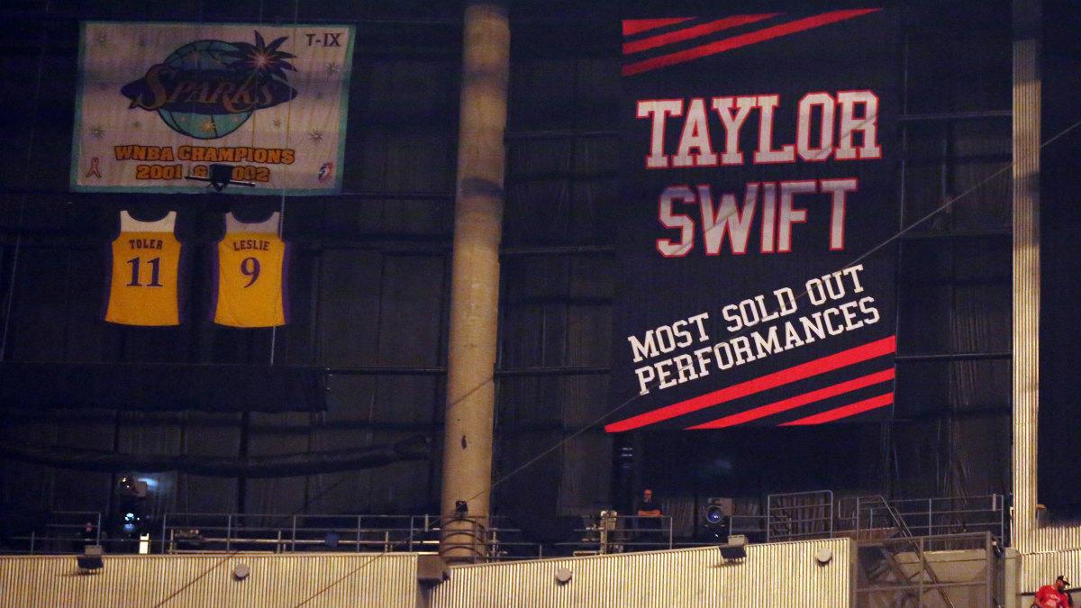 taylor-swift-banner