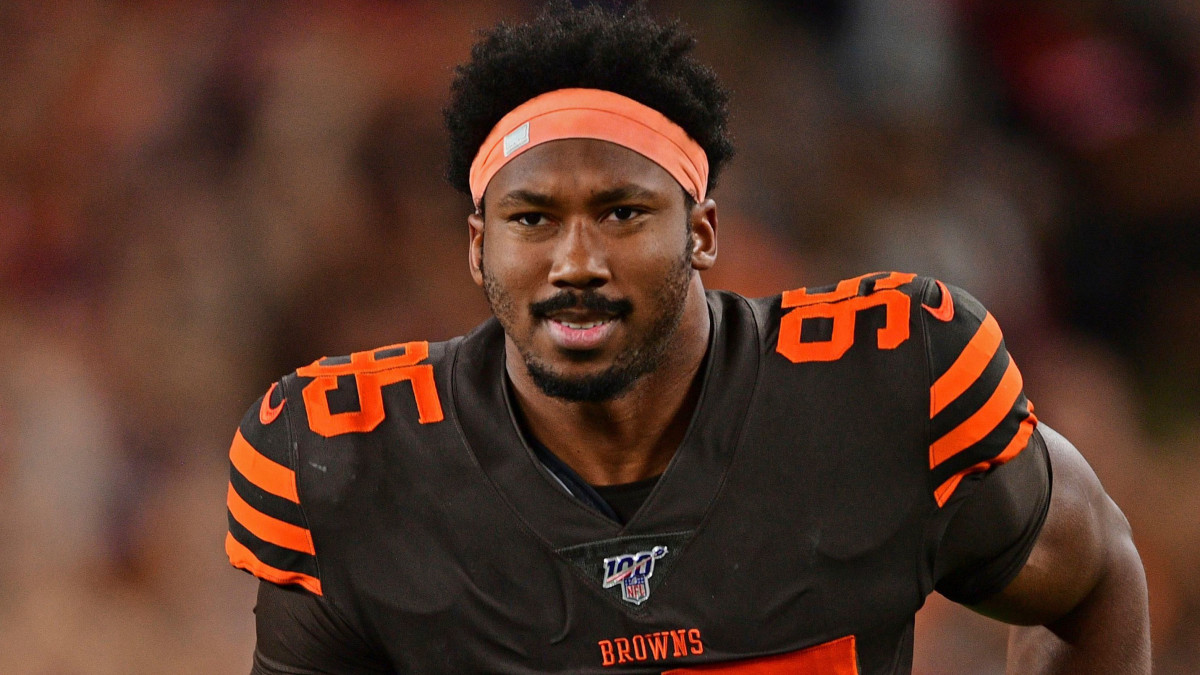Myles Garrett says fan punched him in the face