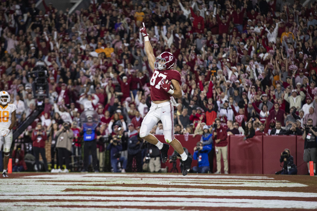 Miller Forristall celebrates a touchdown against Tennessee
