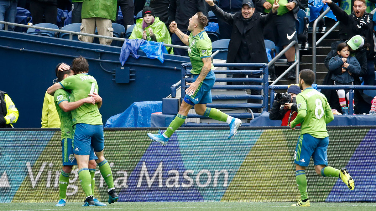 Jordan Morris scores for Seattle Sounders in the MLS playoffs