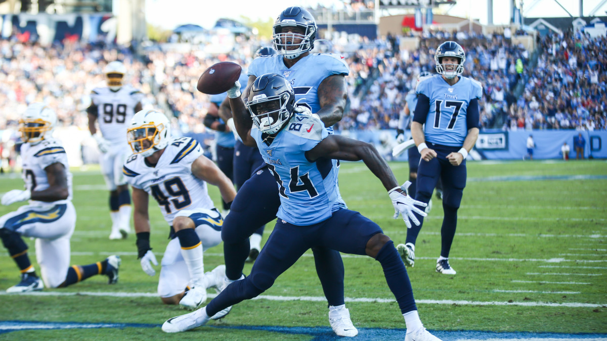 Corey Davis had six catches for 80 yards and a TD in the Titans' Week 7 win over the Chargers.