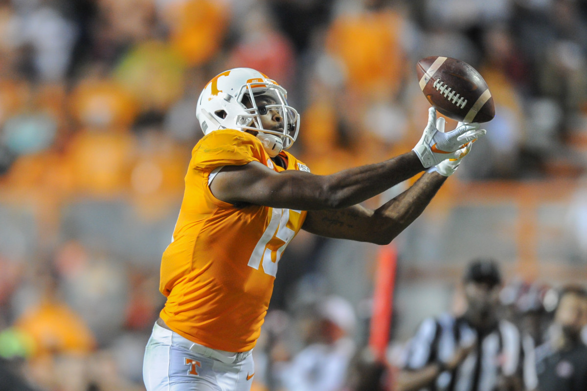Oct 26, 2019; Knoxville, TN, USA; Tennessee Volunteers wide receiver Jauan Jennings (15) catches a pass during the second half against the South Carolina Gamecocks at Neyland Stadium. Tennessee won 41 to 21. Mandatory Credit: Randy Sartin-USA TODAY Sports