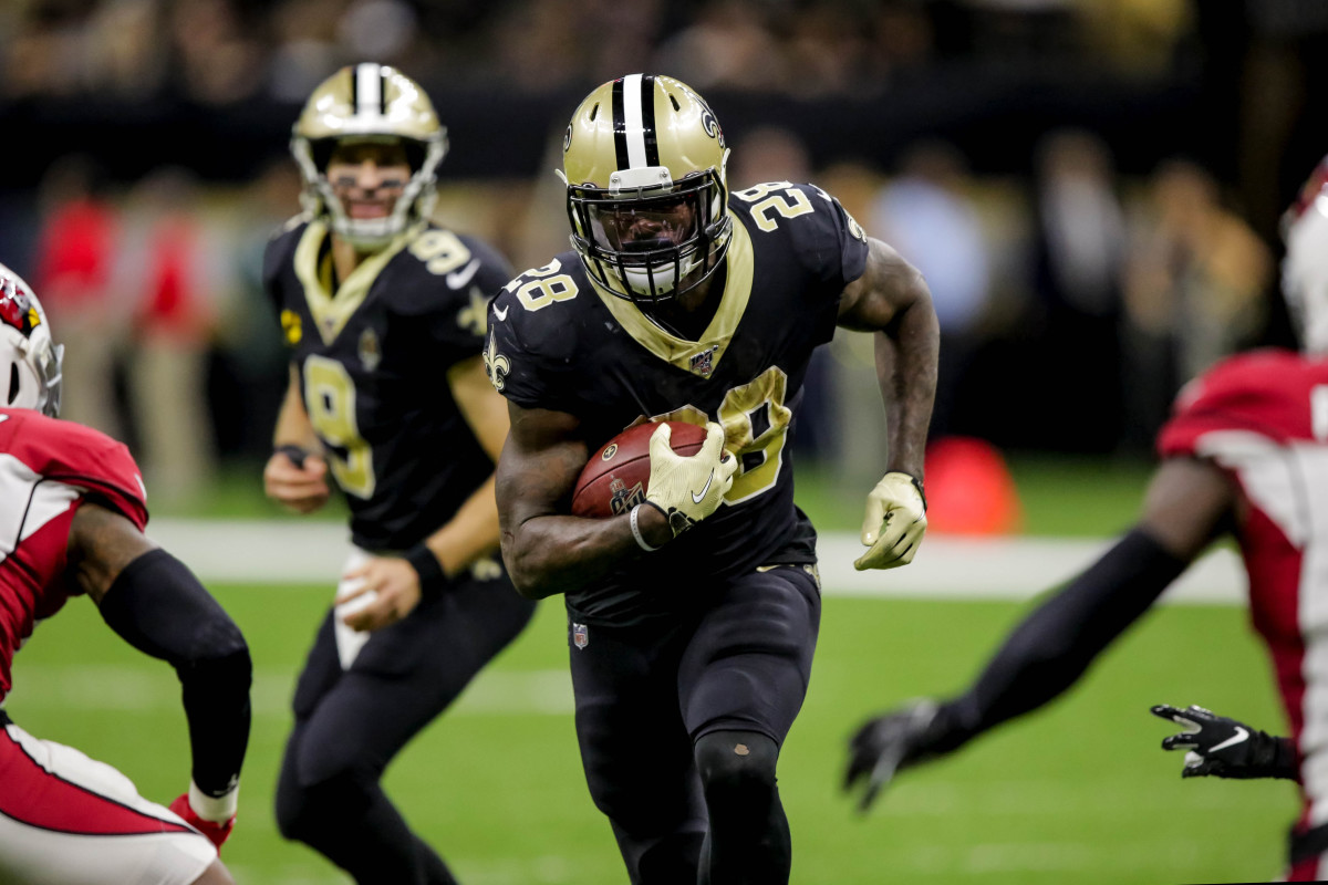 Oct 27, 2019; New Orleans, LA, USA; New Orleans Saints running back Latavius Murray (28) runs against the Arizona Cardinals during the third quarter at the Mercedes-Benz Superdome. Mandatory Credit: Derick E. Hingle-USA TODAY Sports