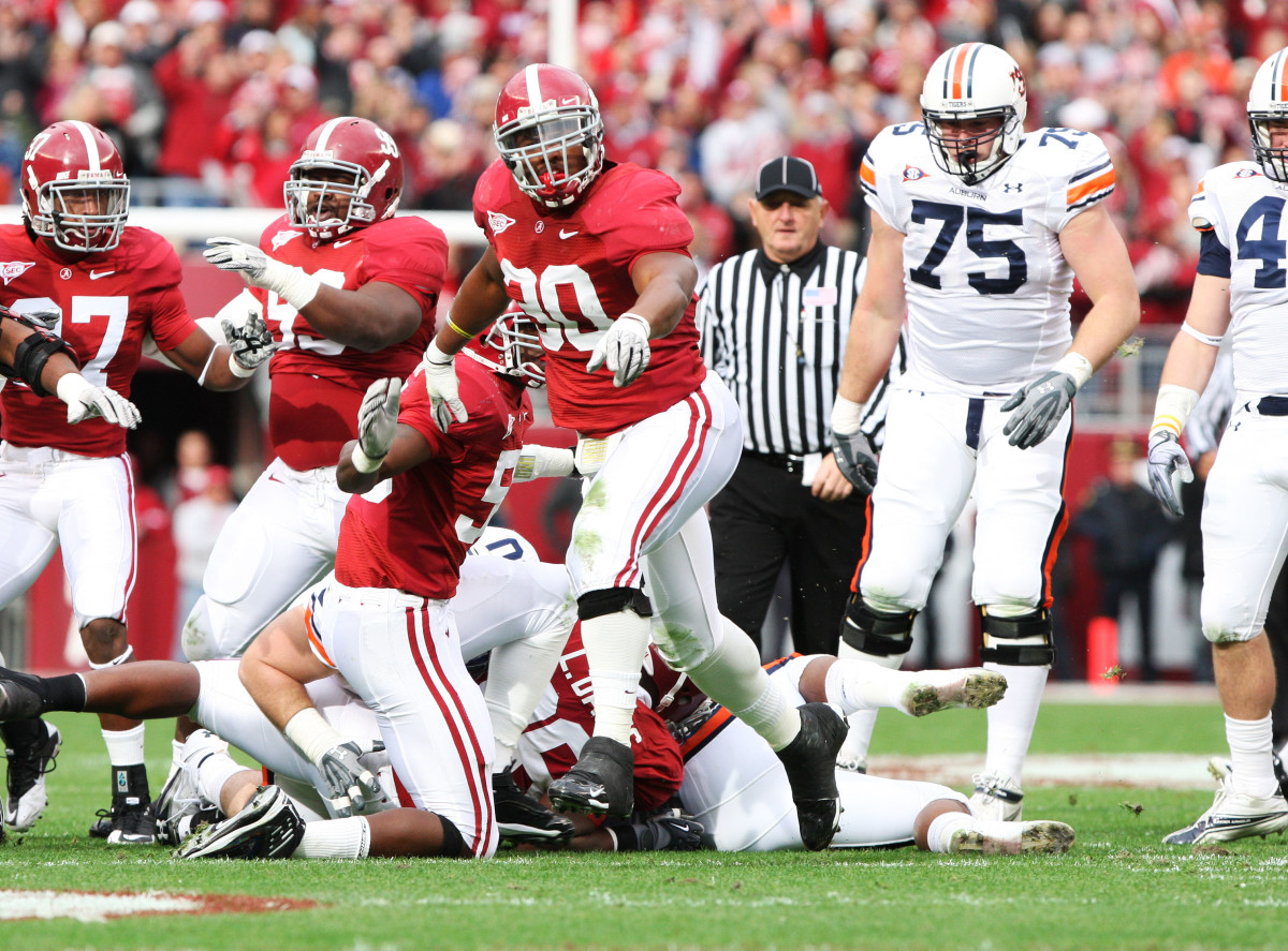 Dont'a Hightower begins to celebrate after a big stop against Auburn