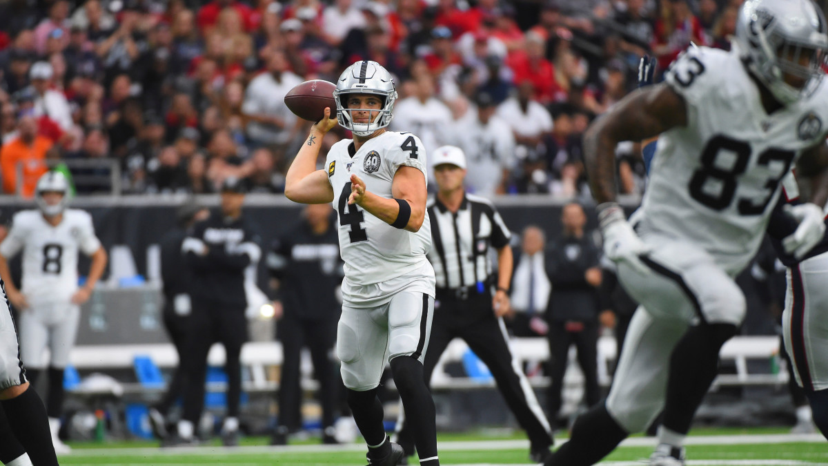 Carr threw three touchdown passes in the Raiders' Week 8 loss to the Texans.