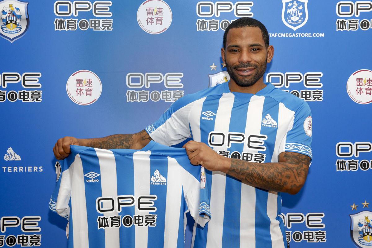 huddersfield-town-unveil-new-loan-signing-jason-puncheon-5c2fa85747ea64a9aa000001.jpg