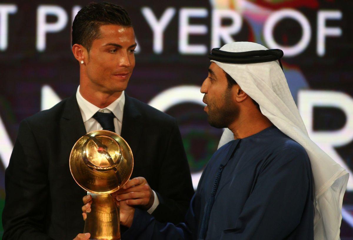 fbl-uae-awards-globe-soccer-5c2f34ade2af72884b000001.jpg