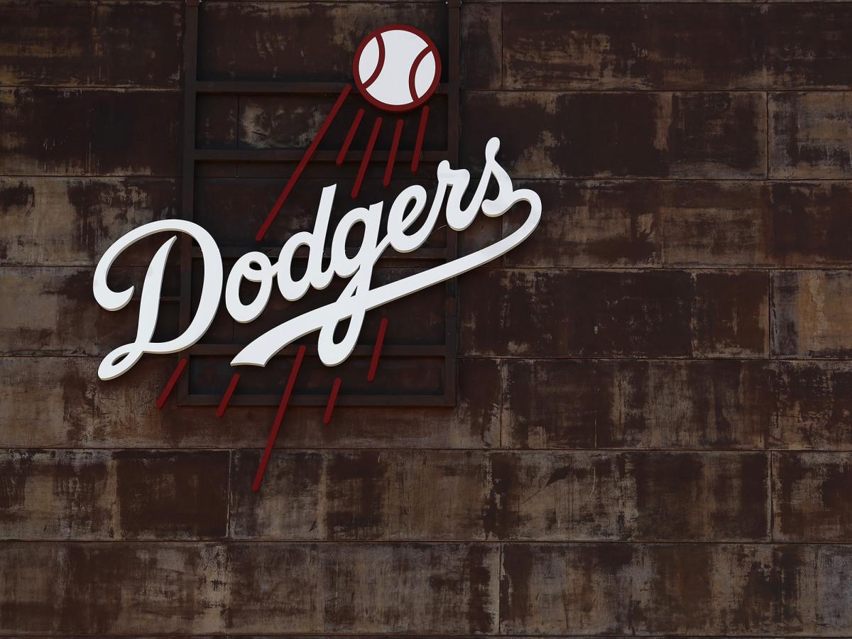 dodgers-logo-glendale-spring-training.jpg