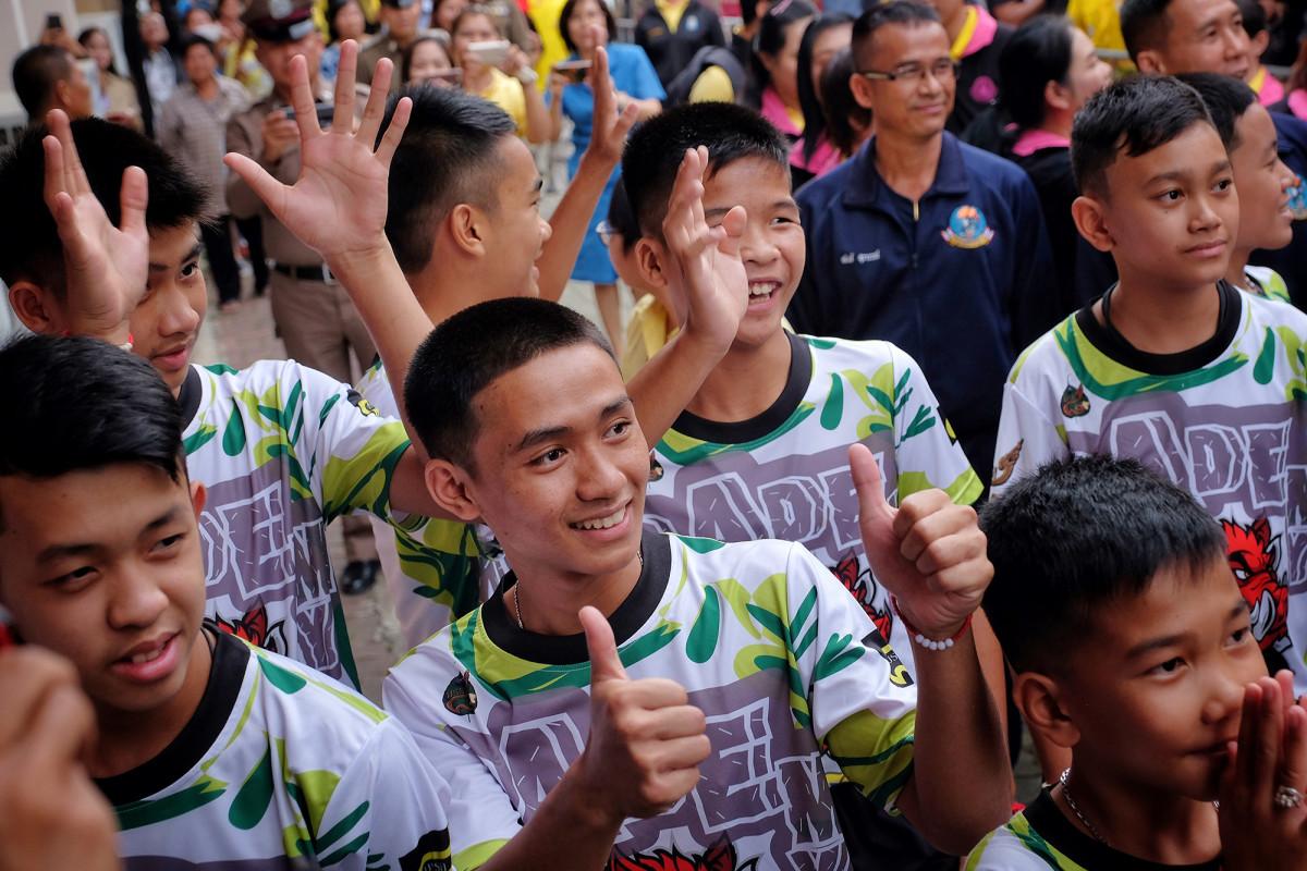 thai-soccer-team-smiles_0.jpg