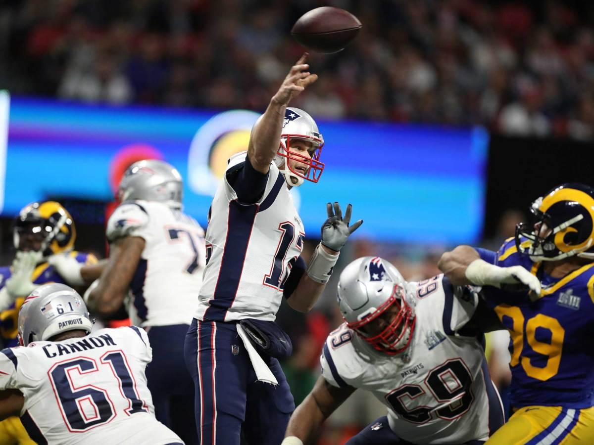 Brady-Throwing-Bruty.jpg