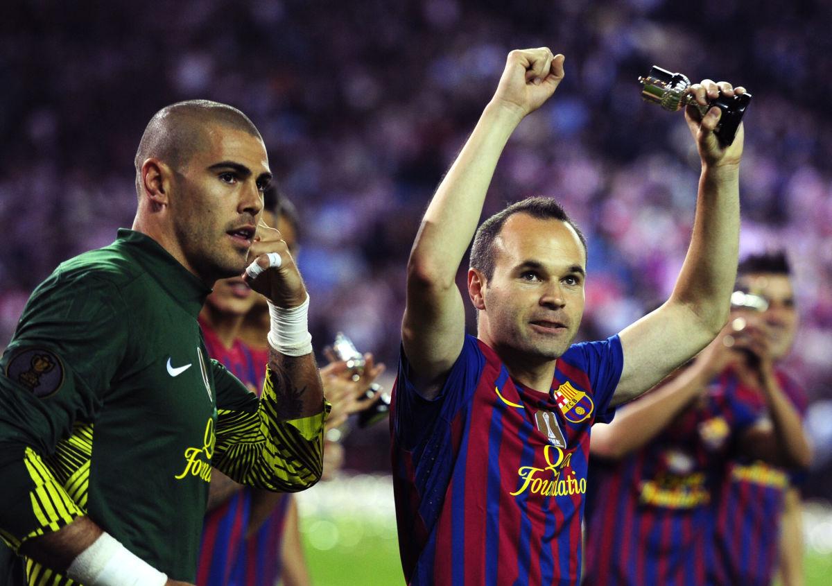 barcelona-s-goalkeeper-victor-valdes-l-5d0d5fd387b0891d5d000001.jpg