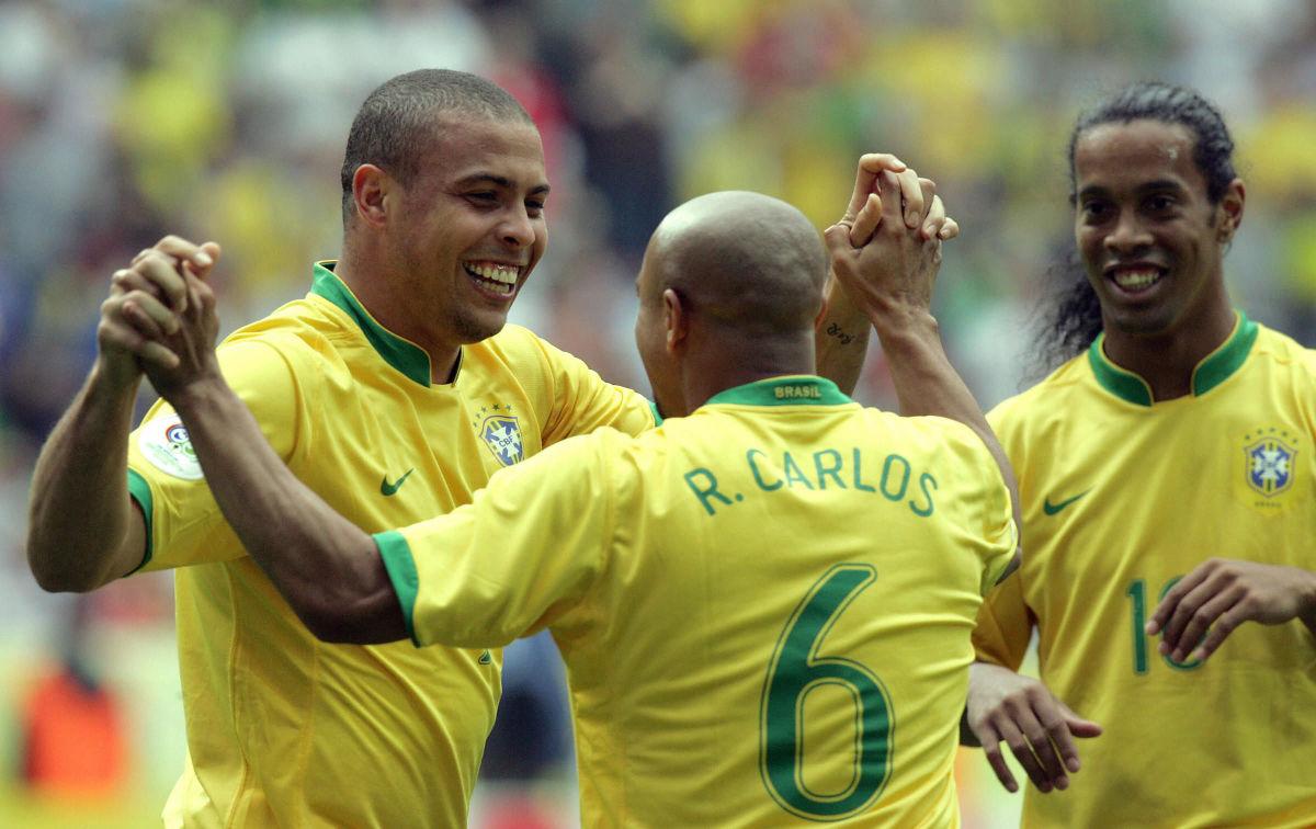 brazilian-defender-roberto-carlos-c-co-5d0d605f6659bd8099000001.jpg