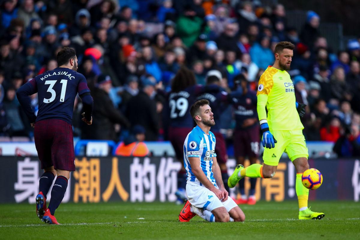huddersfield-town-v-arsenal-fc-premier-league-5c5ef9ed875aa35ecd000001.jpg