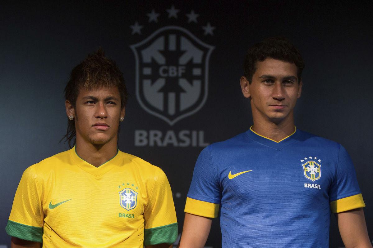 nike-unveils-brazil-new-kit-5d0def5521eb6a85f5000001.jpg
