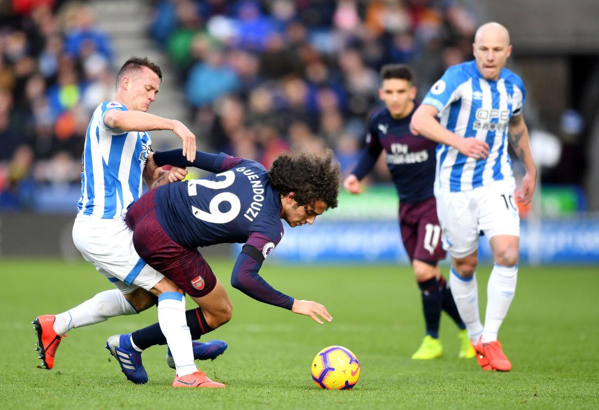 huddersfield-town-v-arsenal-fc-premier-league-5c5f026c875aa37c3a000001.jpg