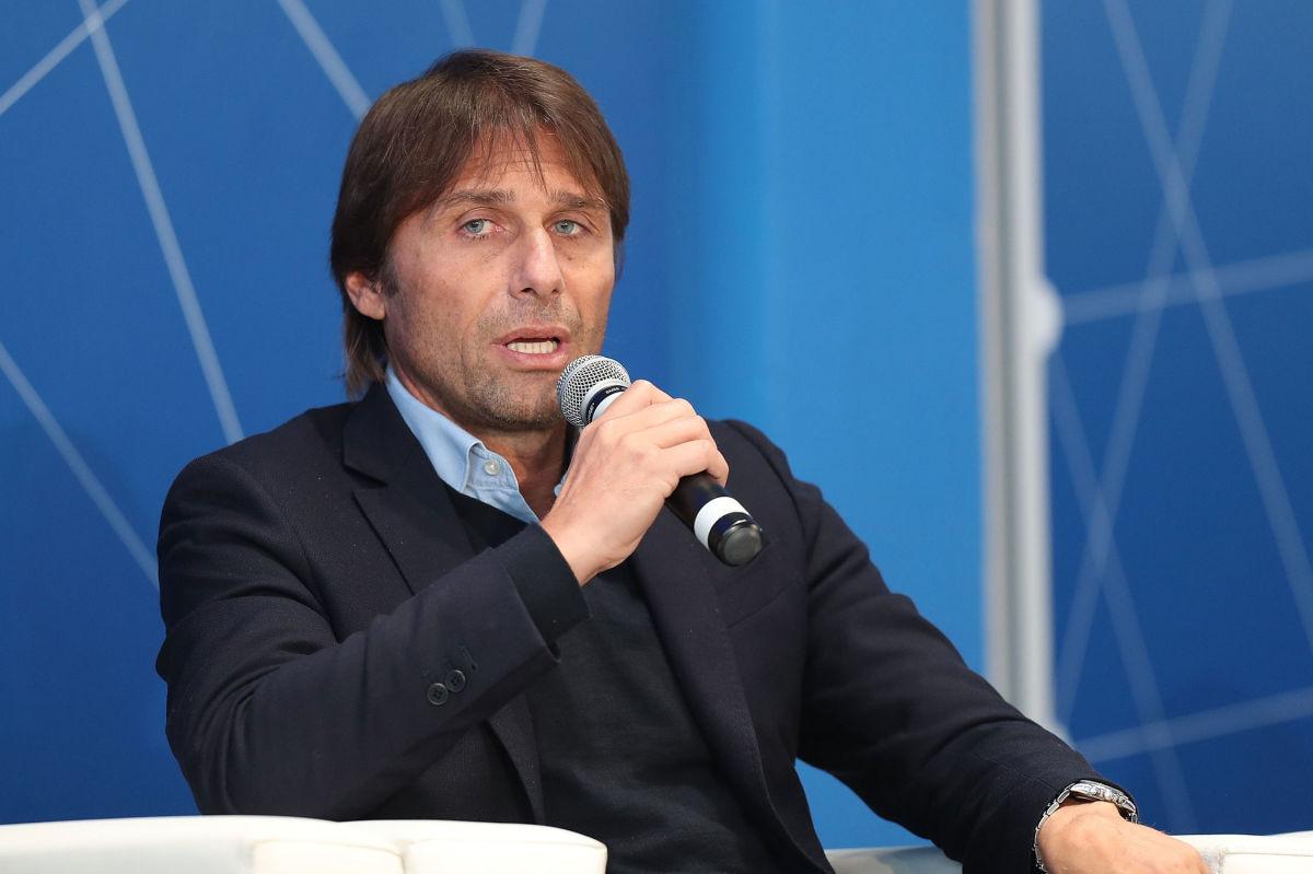 italian-football-federation-panchina-d-oro-prize-5c9de9106d3df862c0000001.jpg