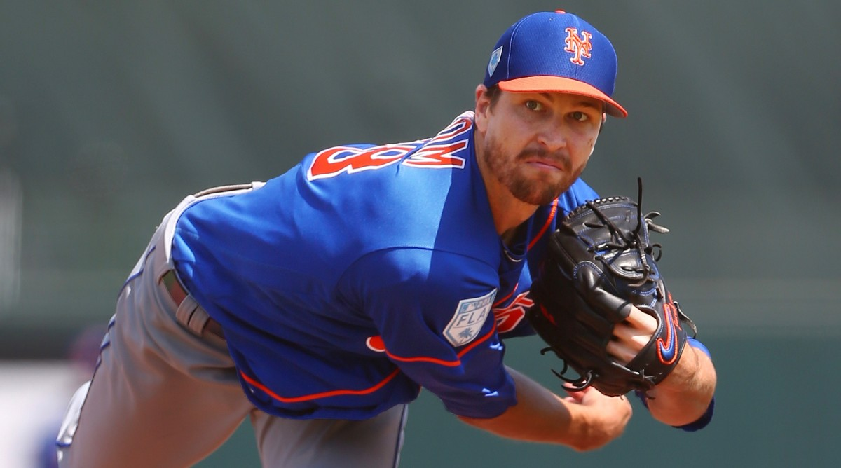 Step right up! The Mets actually signed Jacob deGrom!