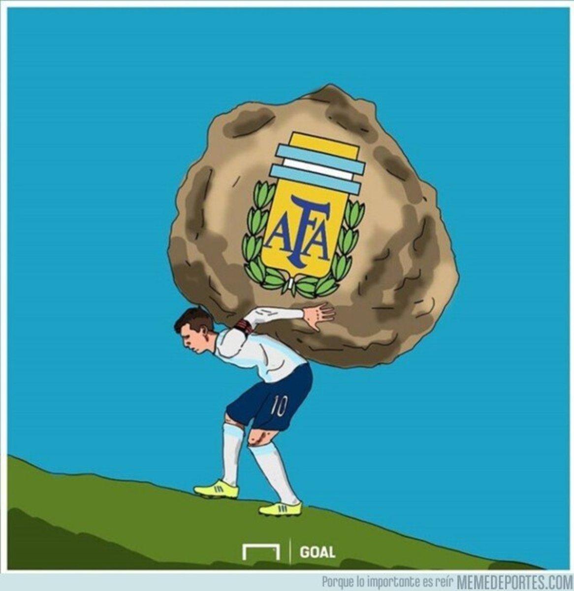 1069338 - Messi carga con una losa demasiado pesada, por @goalenespanol