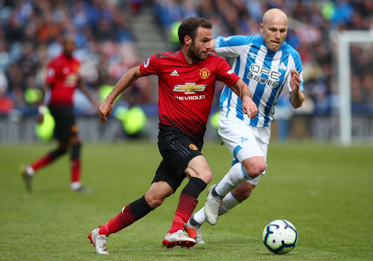 huddersfield-town-v-manchester-united-premier-league-5ce4045bfc1f2f19d6000001.jpg