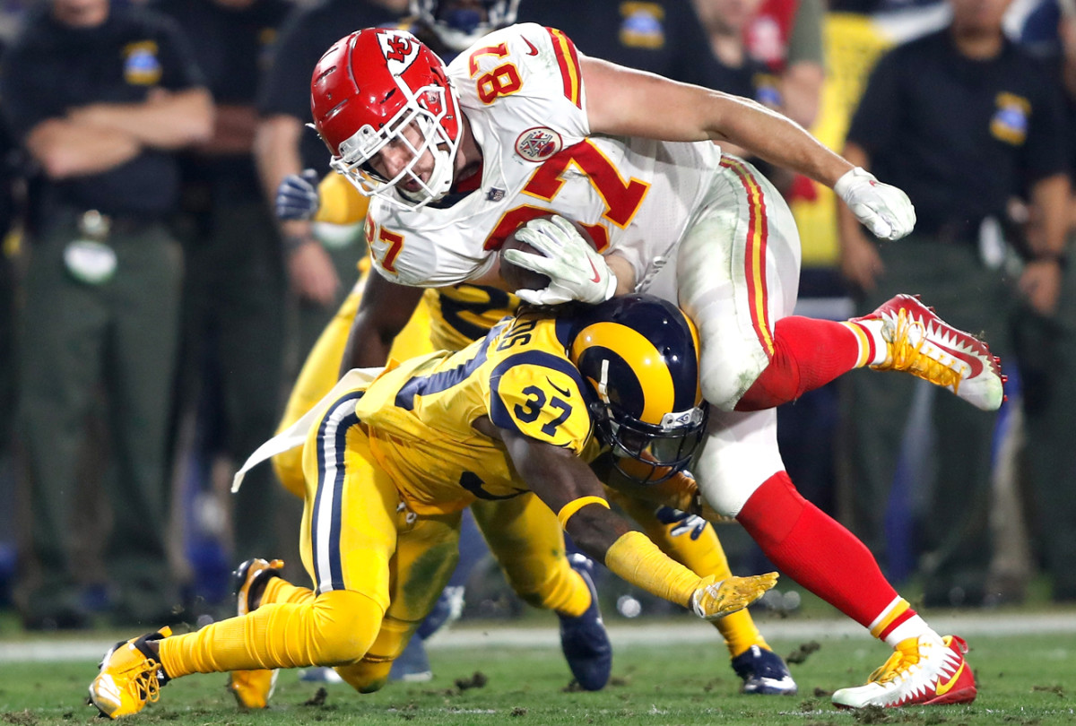 Shields goes all in on a tackle of Travis Kelce in the Chiefs game in Week 11.