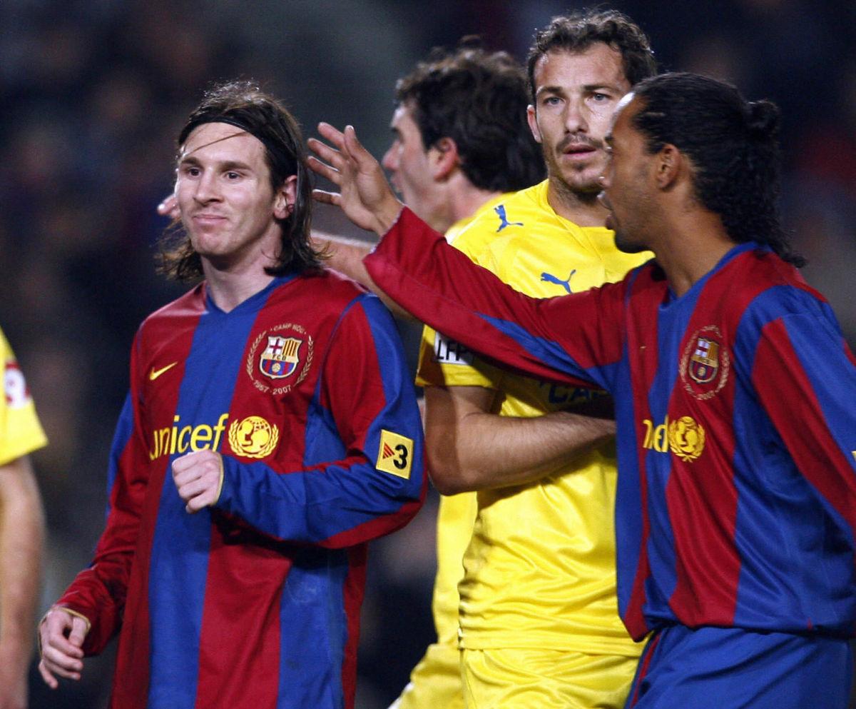fc-barcelona-s-brazilian-player-ronaldin-5d4158e71be0bde841000001.jpg