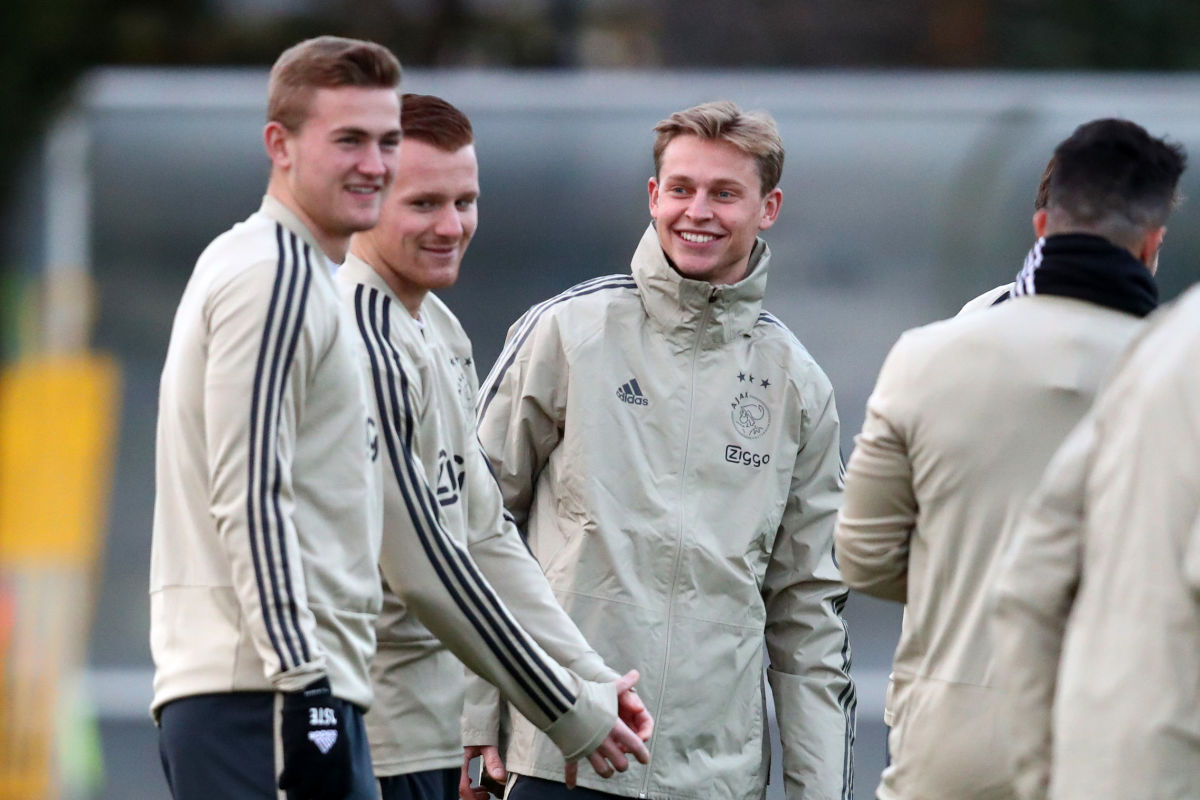 ajax-training-session-and-press-conference-5c7fad58a67cca9312000001.jpg