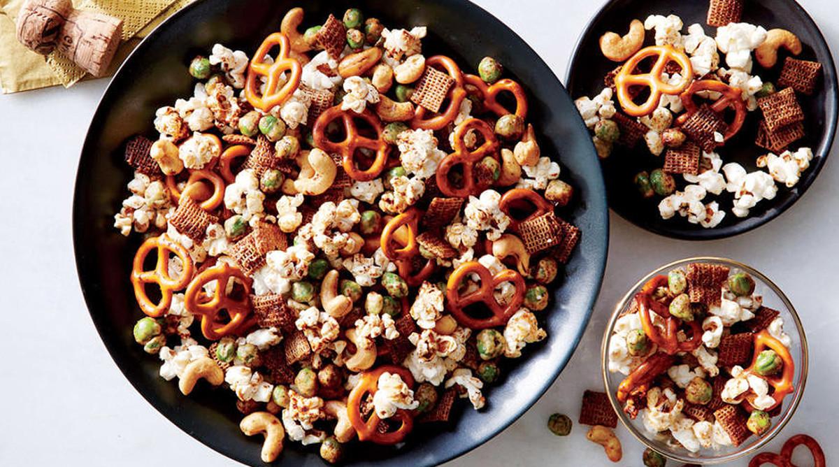 super-bowl-recipes-sesame-soy-nut-and-pretzel-mix.jpg