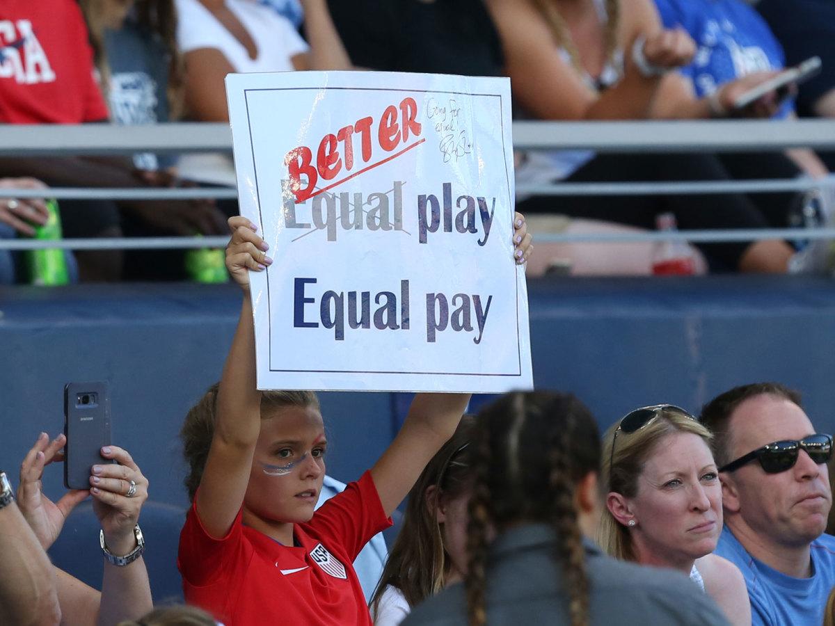 uswnt-equal-pay-inline.jpg