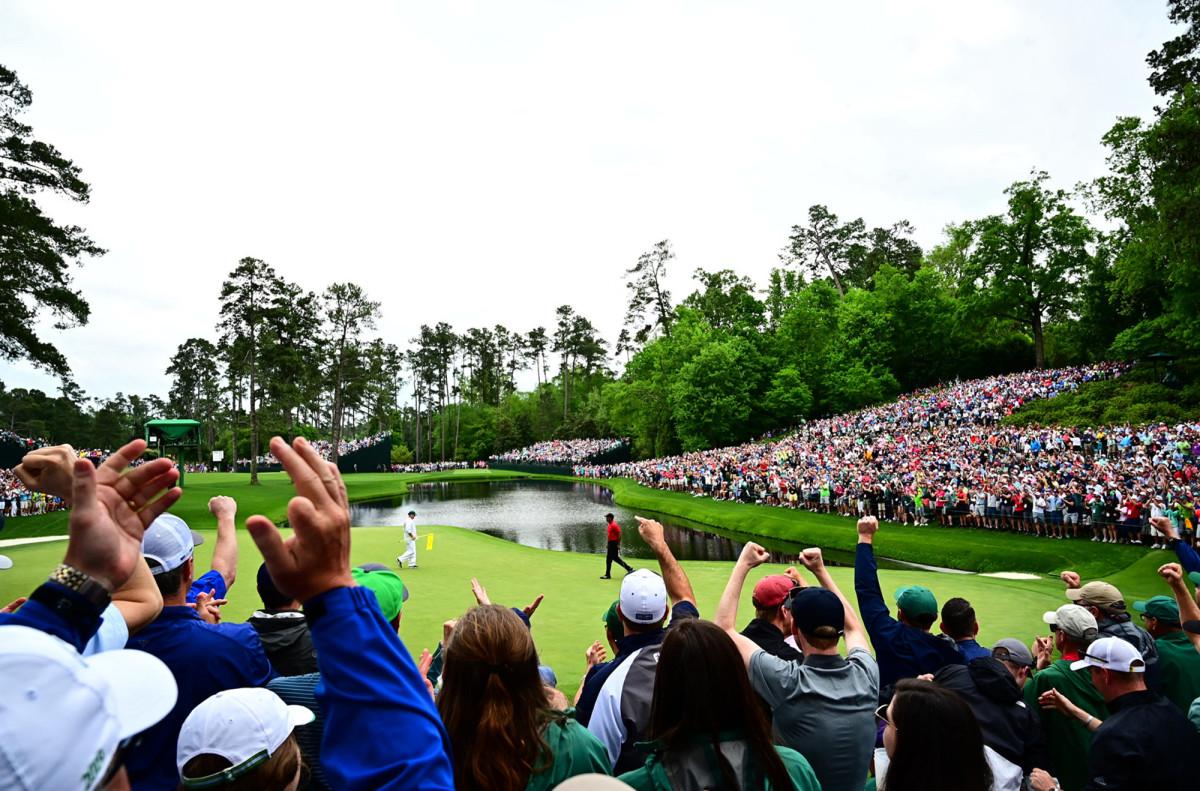 Tiger Woods | No. 16
