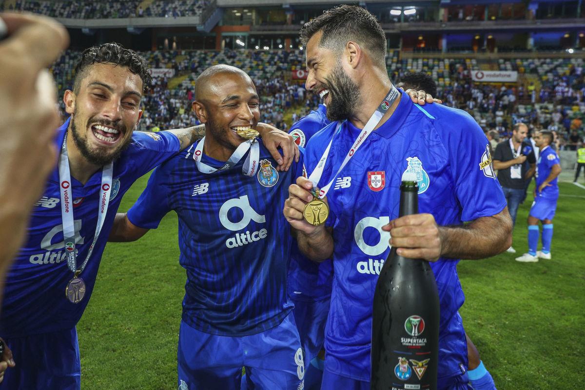 fc-porto-v-desportivo-das-aves-portuguese-super-cup-5d19df86d4441b0059000001.jpg