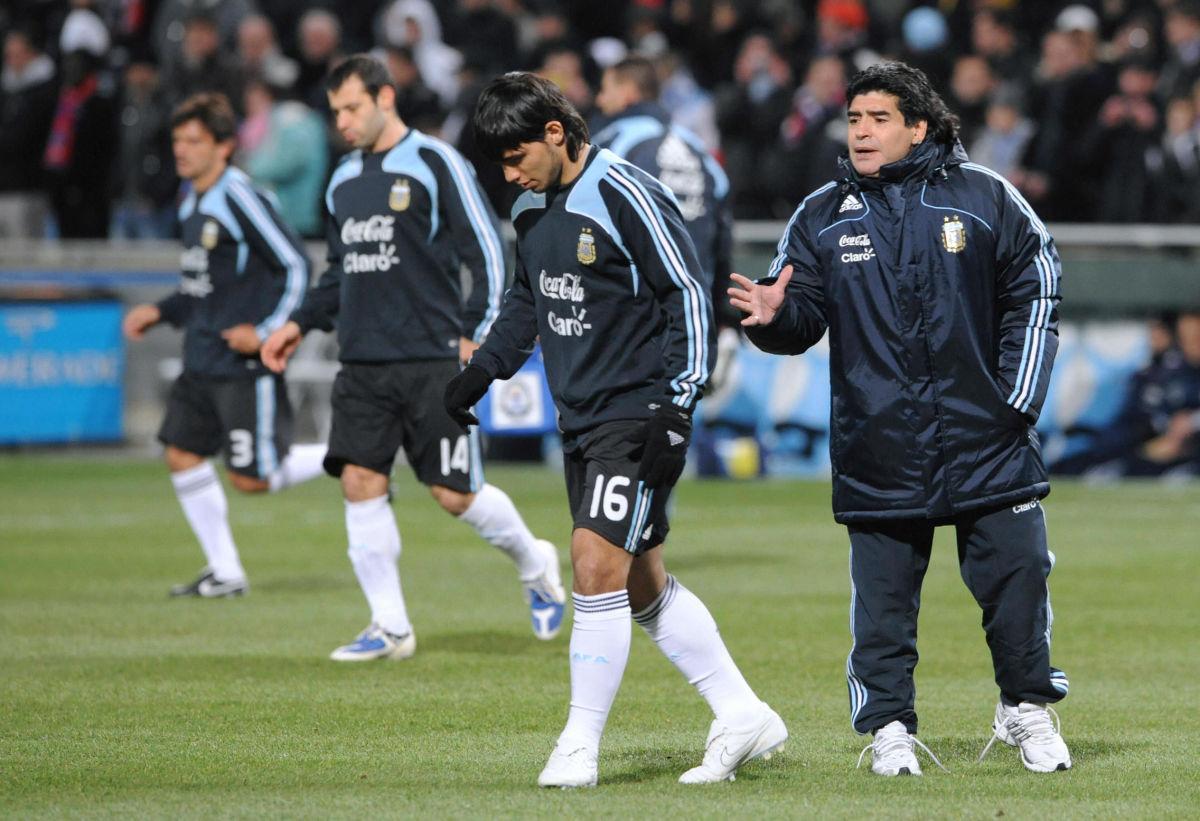 argentinian-national-football-team-coach-5c8573b8b8a685850b000001.jpg