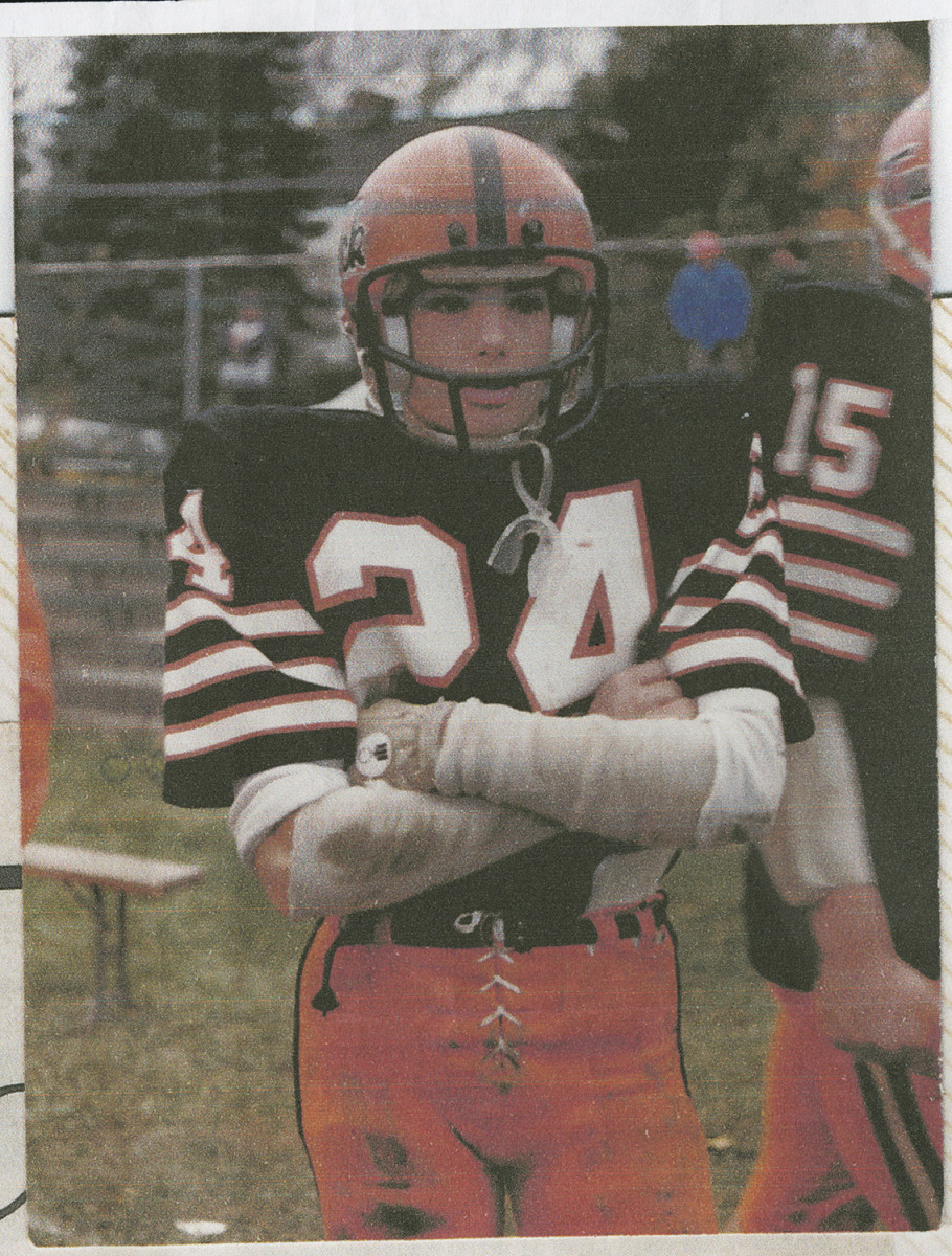 Naposki played football at Tuckahoe (N.Y.) High, the first of three high schools he attended.
