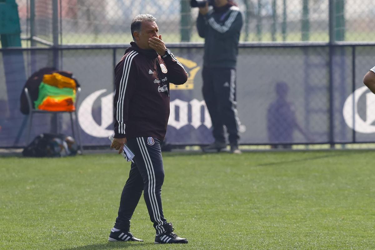 mexico-national-team-training-session-press-conference-5c8fd55e53f9e3403400000b.jpg