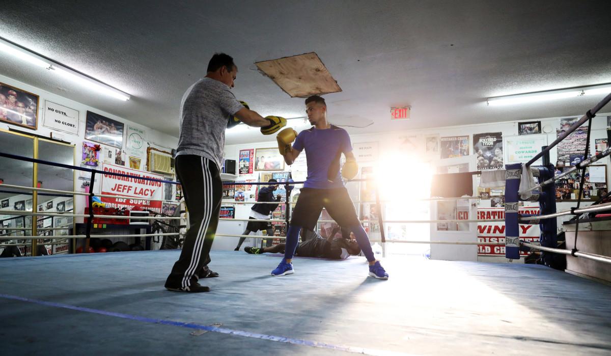robeisy-boxing-workout-sun.jpg