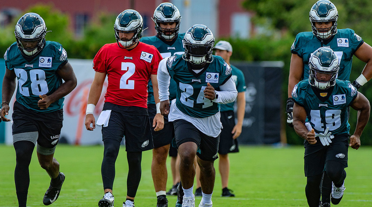 Jordan Howard (24) will be atop the Eagles' deep running back depth chart.