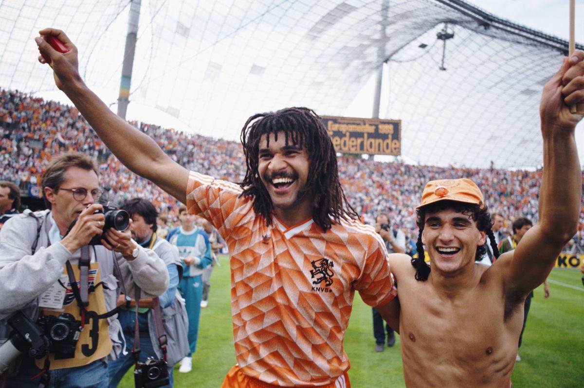 1988-european-championships-final-holland-v-ussr-5d1398783495b27ce4000005.jpg