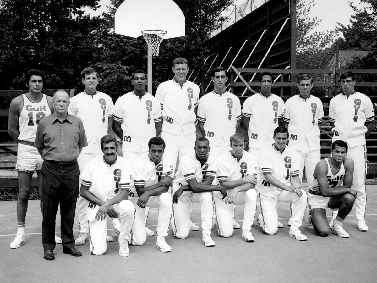 Jim McGregor (front row, left) and the Gulf All-Stars in 1978.
