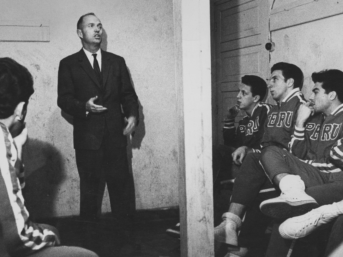 Before he led his college all-stars around the world, McGregor coached the national teams of Italy, Turkey, Morocco, Greece, Argentina, Sweden, Austria, Peru and the Central African Republic.